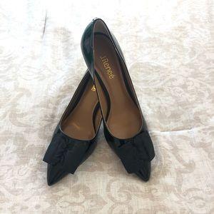 J. Renee Black Patent Bow Camley Heels Pumps